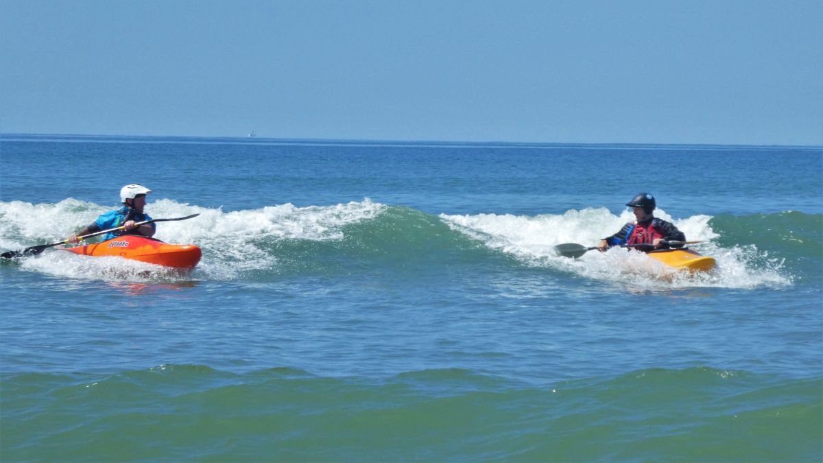 Synchronised surfing in the Gower
